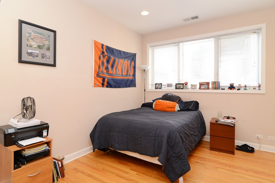 Real Estate Photography - 3734 N Wilson, Apt 1S, Chicago, IL, 60613 - Bedroom