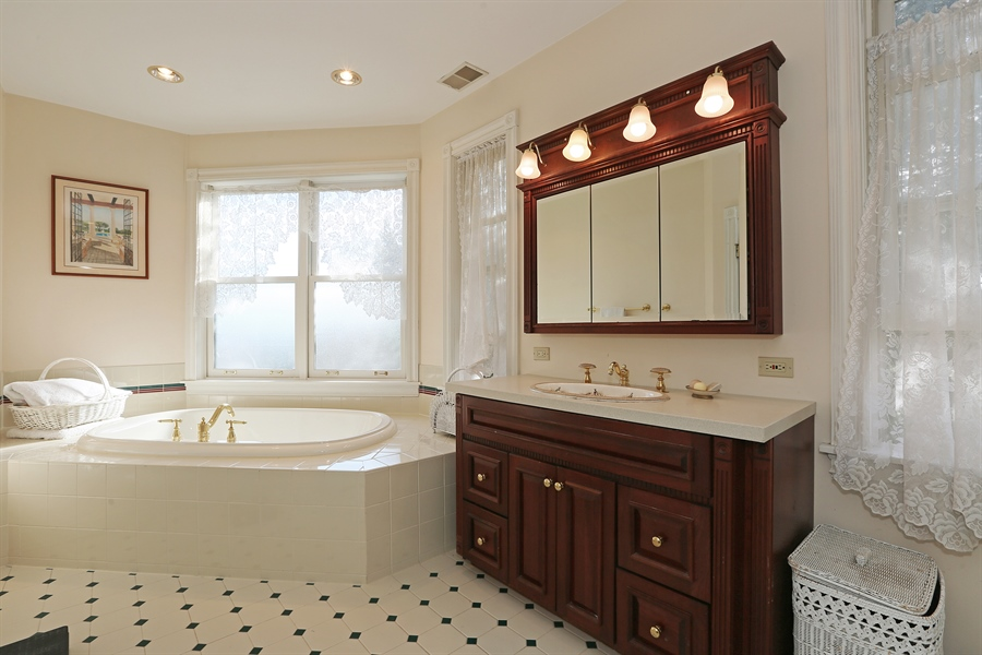 Real Estate Photography - 5324 Turvey Court, Downers Grove, IL, 60515 - Master Bathroom
