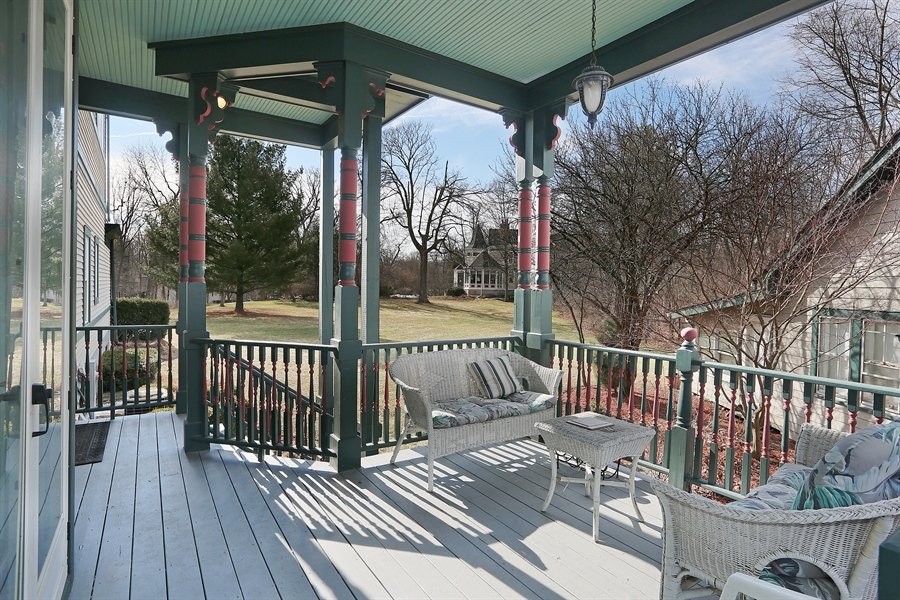 Real Estate Photography - 5324 Turvey Court, Downers Grove, IL, 60515 - Porch