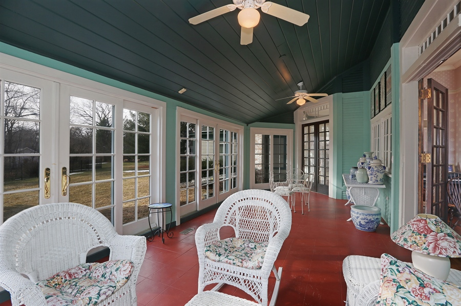 Real Estate Photography - 5324 Turvey Court, Downers Grove, IL, 60515 - Sun Room
