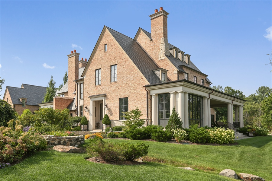 Real Estate Photography - 10 Deerpath, Oak Brook, IL, 60523 - Side View
