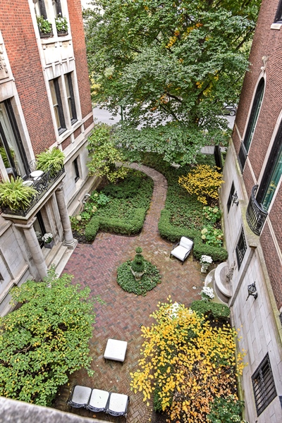 Real Estate Photography - 1340 N State St, #3S, Chicago, IL, 60610 - Building Courtyard From Above