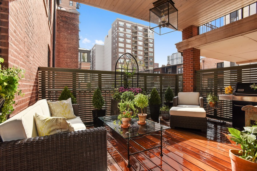 Real Estate Photography - 1340 N State St, #3S, Chicago, IL, 60610 - Private Terrace