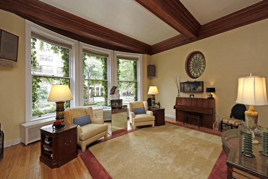 Real Estate Photography - 1508 N State Pkwy, Chicago, IL, 60610 - Living Room