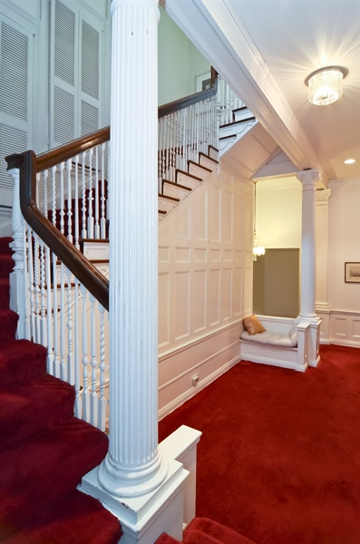 Real Estate Photography - 1508 N State Pkwy, Chicago, IL, 60610 - Foyer