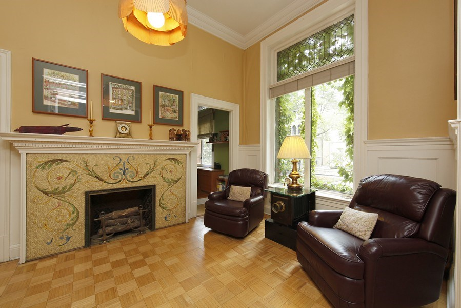 Real Estate Photography - 1508 N State Pkwy, Chicago, IL, 60610 - Study