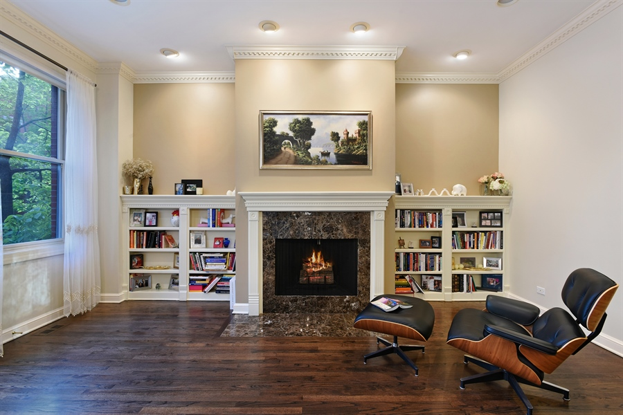 Real Estate Photography - 409 N. Canal, Chicago, IL, 60654 - Living Room