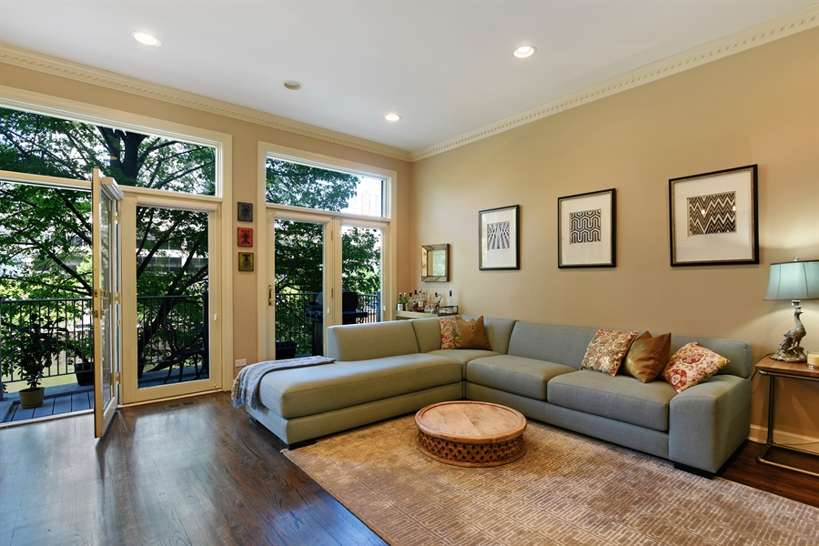 Real Estate Photography - 409 N. Canal, Chicago, IL, 60654 - Family Room