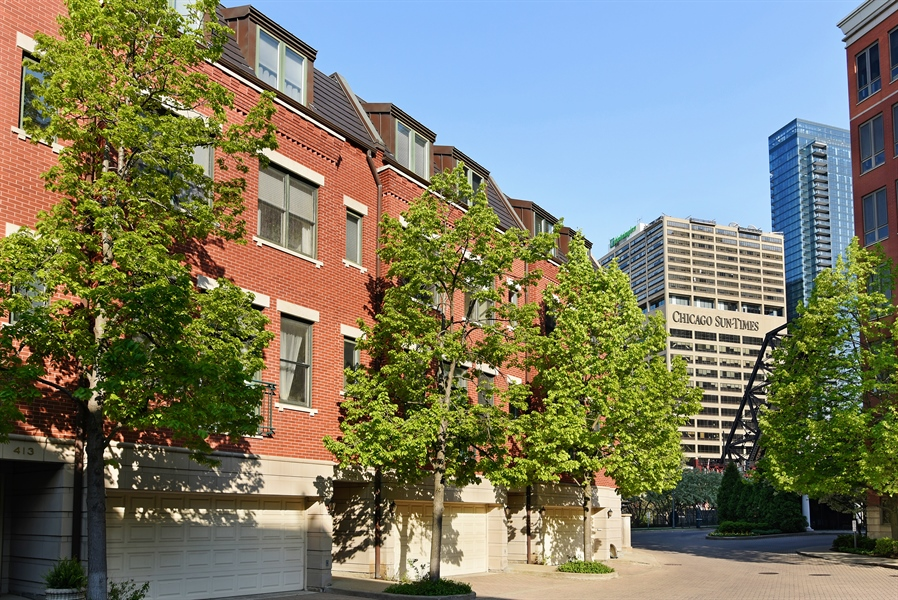 Real Estate Photography - 409 N. Canal, Chicago, IL, 60654 - Front View