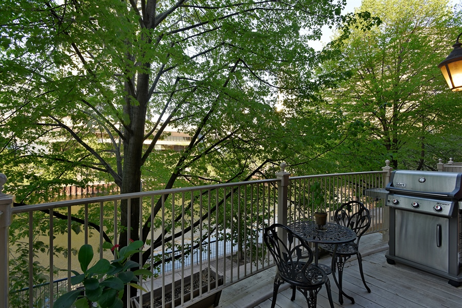 Real Estate Photography - 409 N. Canal, Chicago, IL, 60654 - Balcony