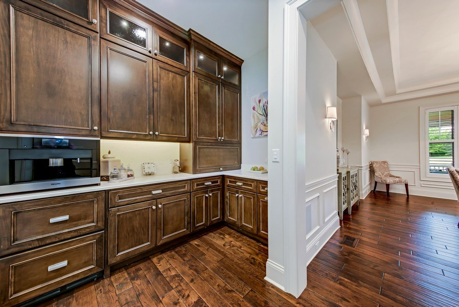 Real Estate Photography - 8545 Kearney Road, Downers Grove, IL, 60516 - Butler's pantry