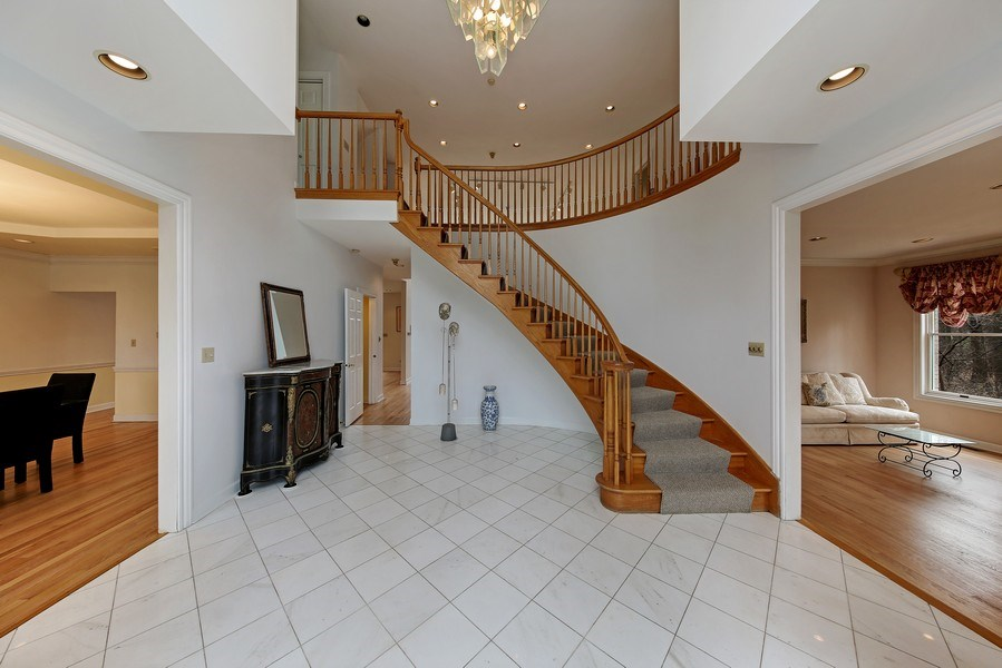 Real Estate Photography - 47 Brookside, Lemont, IL, 60439 - Foyer Walk In View