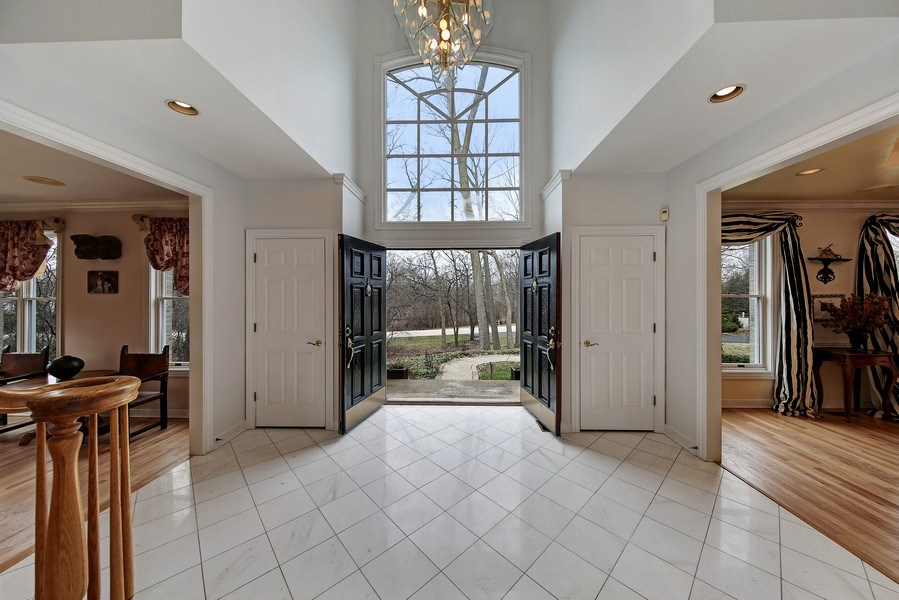 Real Estate Photography - 47 Brookside, Lemont, IL, 60439 - Foyer Looking Out
