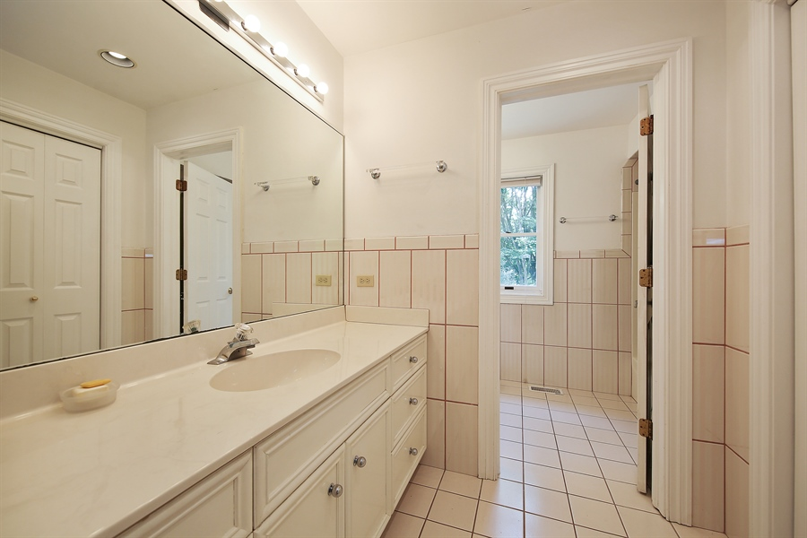 Real Estate Photography - 47 Brookside, Lemont, IL, 60439 - 2nd Bathroom