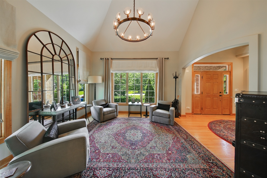 Real Estate Photography - 8981 Orchard, Willow Springs, IL, 60480 - Living Room