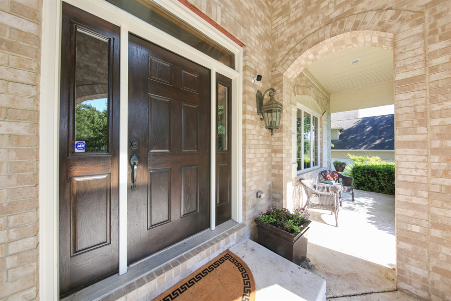 Real Estate Photography - 8981 Orchard, Willow Springs, IL, 60480 - Porch