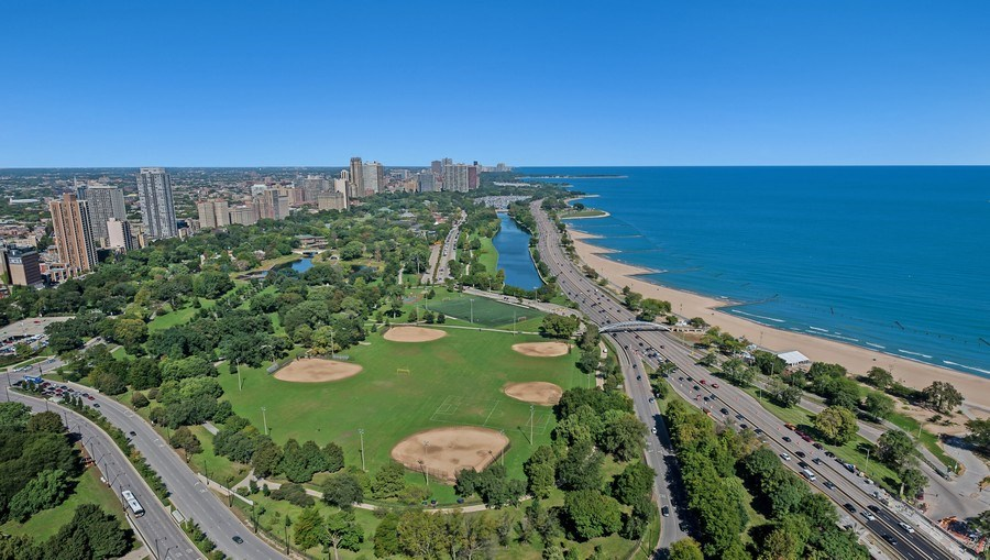 Real Estate Photography - 1555 N Astor, 48W, Chicago, IL, 60610 - North View, Lincoln Park and Lake