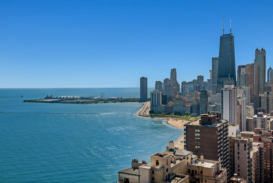 Real Estate Photography - 1555 N Astor, 48W, Chicago, IL, 60610 - Southeast View, Navy Pier and Skyline