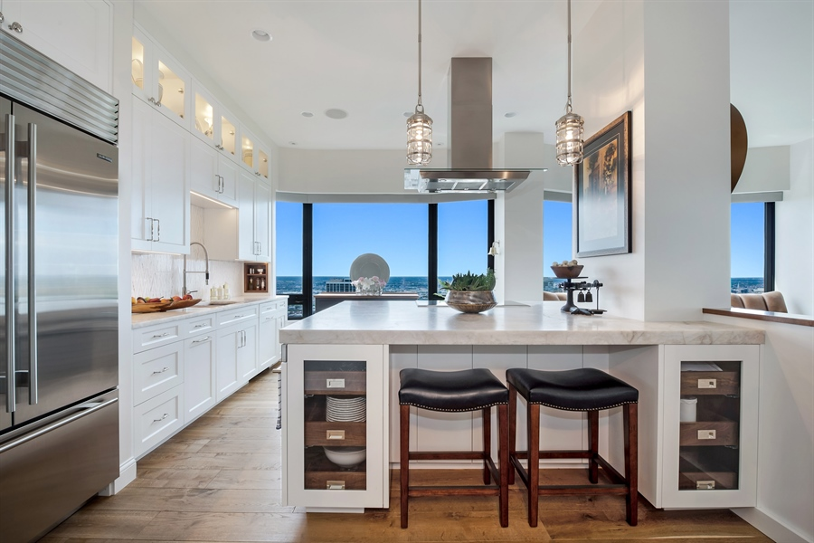 Real Estate Photography - 1555 N Astor, 48W, Chicago, IL, 60610 - Eat-in Kitchen (10' Ceilings)