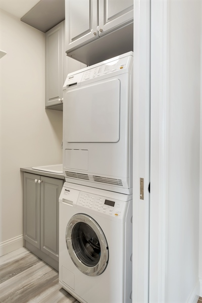 Real Estate Photography - 1555 N Astor, 48W, Chicago, IL, 60610 - Laundry Room with Sink