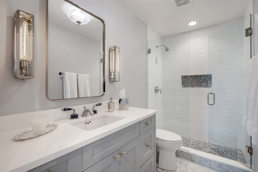 Real Estate Photography - 1555 N Astor, 48W, Chicago, IL, 60610 - Second Bath