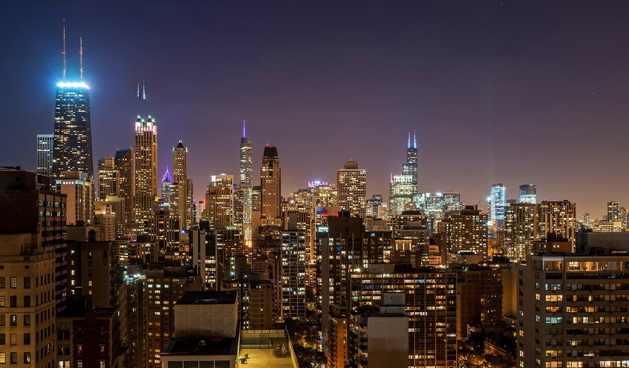Real Estate Photography - 1555 N Astor, 48W, Chicago, IL, 60610 - Evening South View