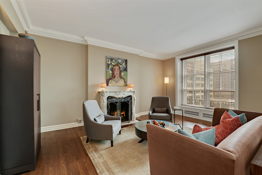 Real Estate Photography - 3400 N Lake Shore Drive, 6E, Chicago, IL, 60657 - Living Room