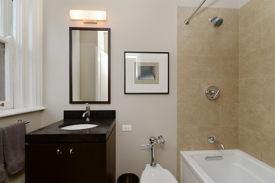 Real Estate Photography - 3400 N Lake Shore Drive, 6E, Chicago, IL, 60657 - 2nd Bathroom