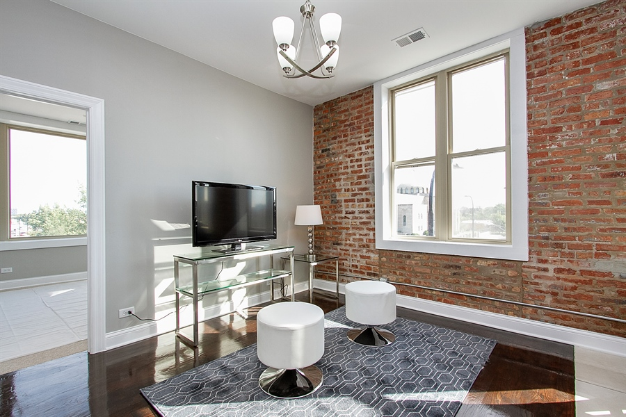Real Estate Photography - 7400 S Stony Island Ave, 302, Chicago, IL, 60649 - Living Room