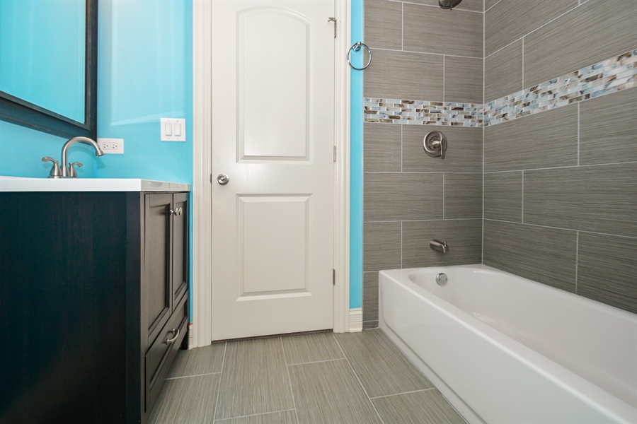 Real Estate Photography - 5737 S New England Ave, Chicago, IL, 60638 - 2nd Bathroom