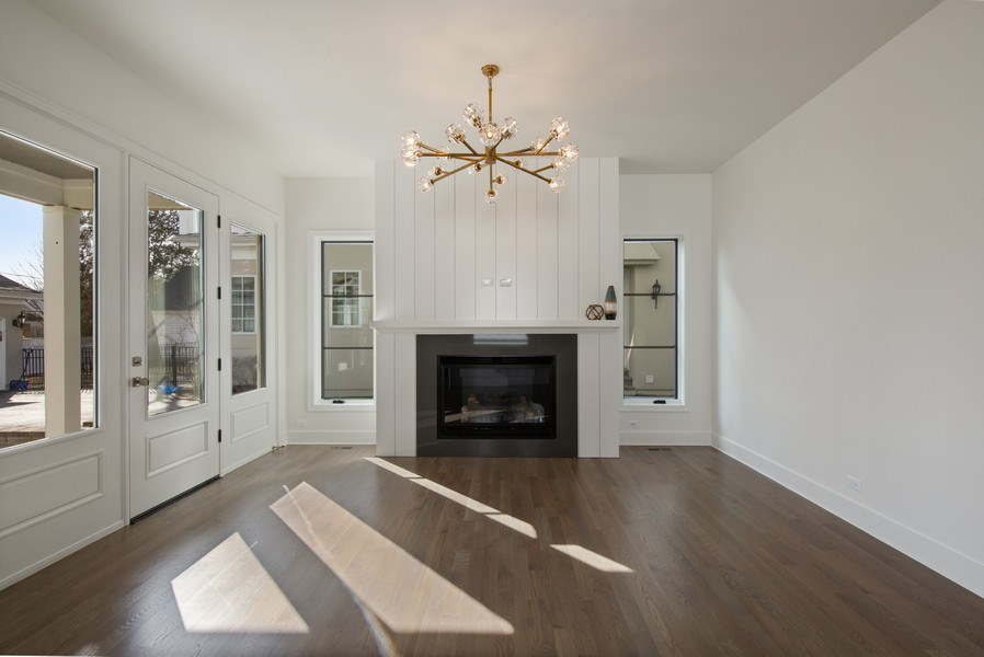 Real Estate Photography - 22 E 6th St, Hinsdale, IL, 60521 - Family Room