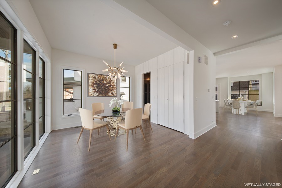 Real Estate Photography - 22 E 6th St, Hinsdale, IL, 60521 - Entry