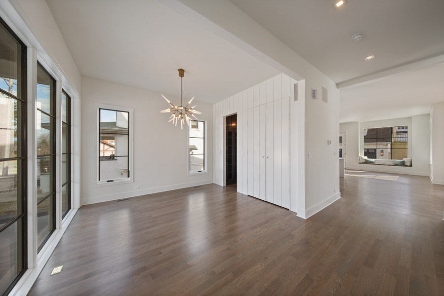Real Estate Photography - 22 E 6th St, Hinsdale, IL, 60521 - Foyer
