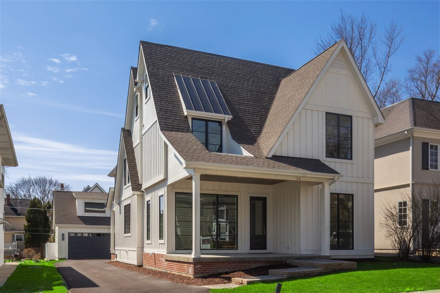 Real Estate Photography - 22 E 6th St, Hinsdale, IL, 60521 - Front View