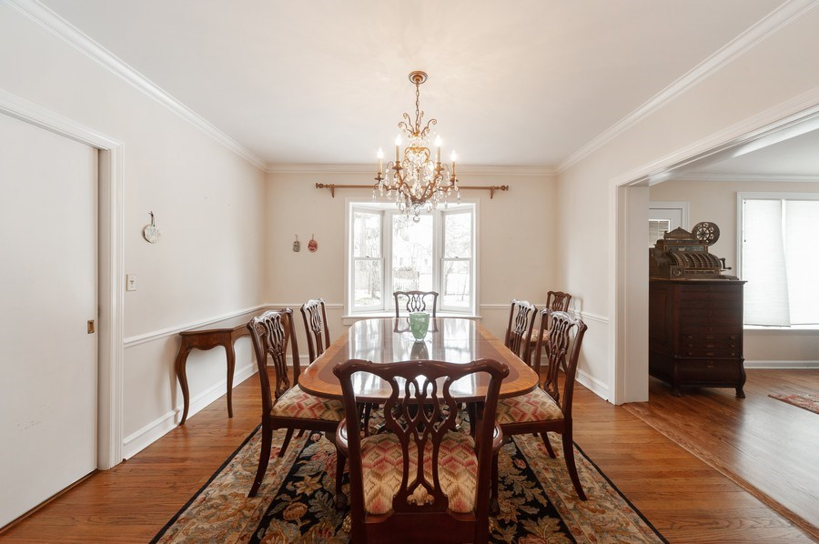 Real Estate Photography - 5 Woodley Manor, Winnetka, IL, 60093 - Dining Room