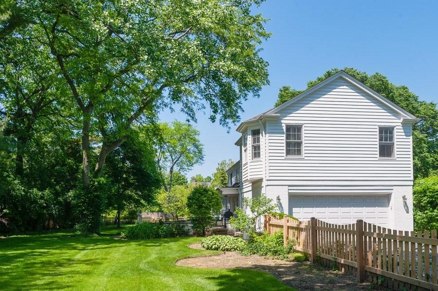 Real Estate Photography - 5 Woodley Manor, Winnetka, IL, 60093 - Back Yard