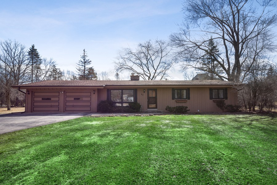 Real Estate Photography - 83 W Wildwood Dr, Barrington, IL, 60010 - Front View