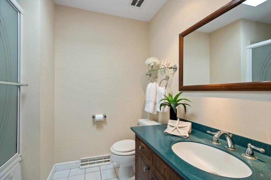 Real Estate Photography - 83 W Wildwood Dr, Barrington, IL, 60010 - 2nd Bathroom