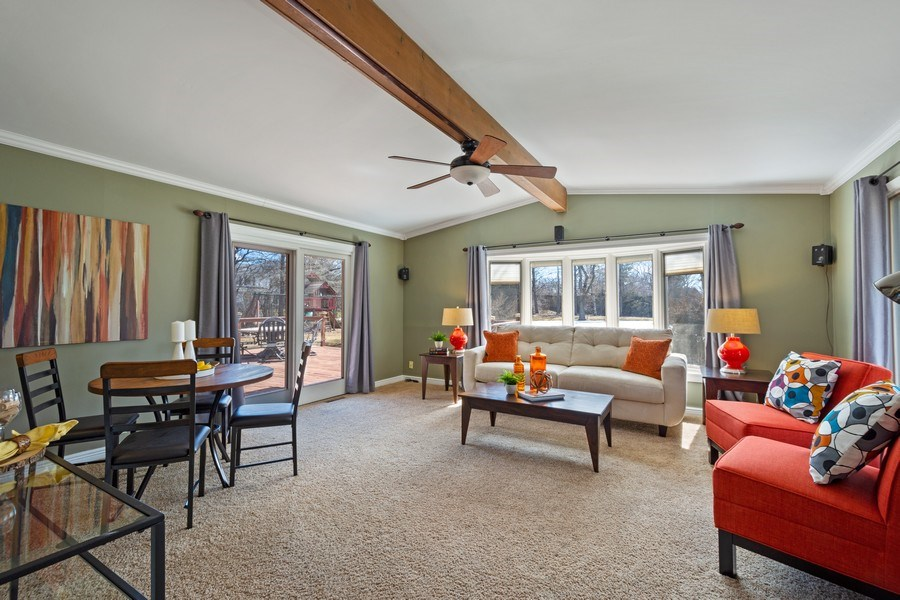 Real Estate Photography - 83 W Wildwood Dr, Barrington, IL, 60010 - Sun Room