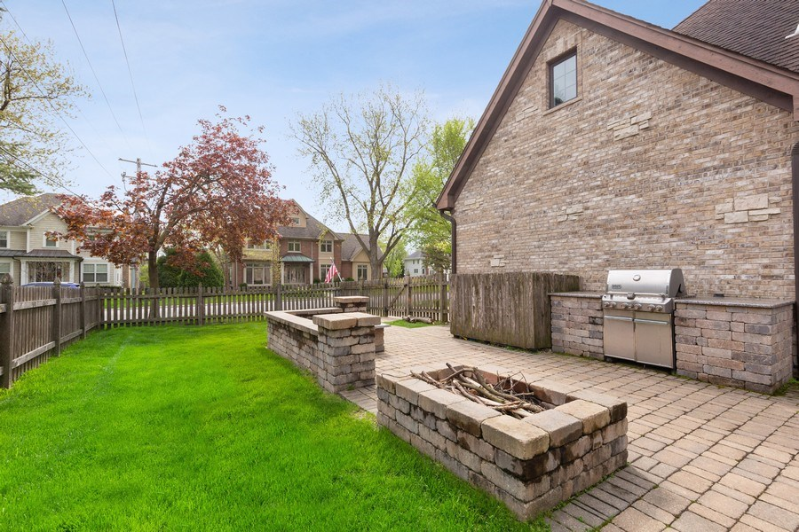 Real Estate Photography - 519 The Lane, Hinsdale, IL, 60521 - Back Yard