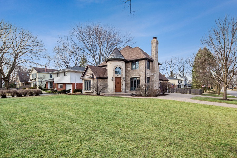 Real Estate Photography - 519 The Lane, Hinsdale, IL, 60521 - Front View