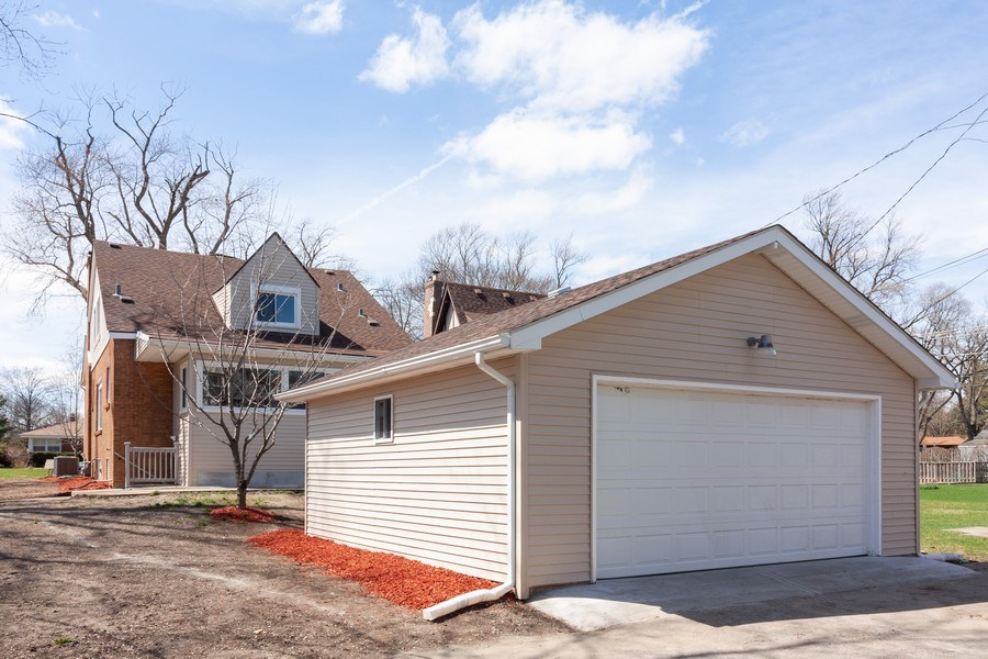 Real Estate Photography - 821 S Harvard Ave, Villa Park, IL, 60181 - Garage