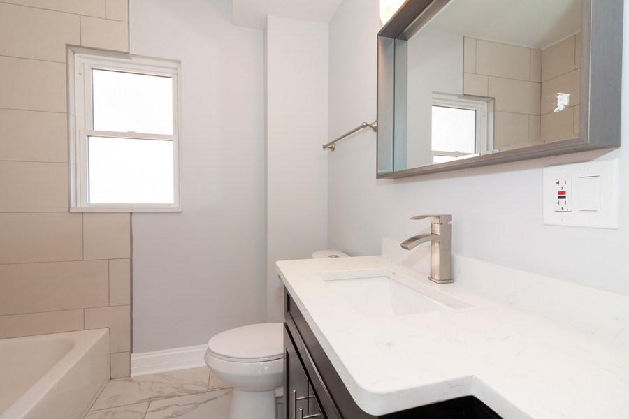 Real Estate Photography - 821 S Harvard Ave, Villa Park, IL, 60181 - 2nd Bathroom