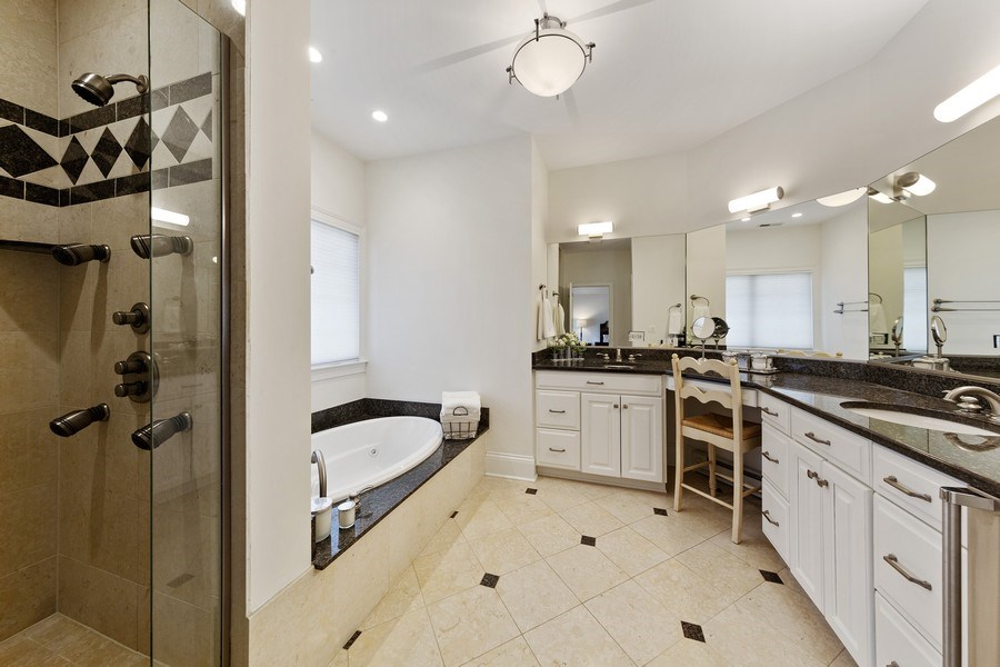 Real Estate Photography - 802 Franklin, Hinsdale, IL, 60521 - Master Bathroom