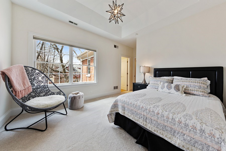 Real Estate Photography - 802 Franklin, Hinsdale, IL, 60521 - 4th Bedroom with Jack & Jill bathroom