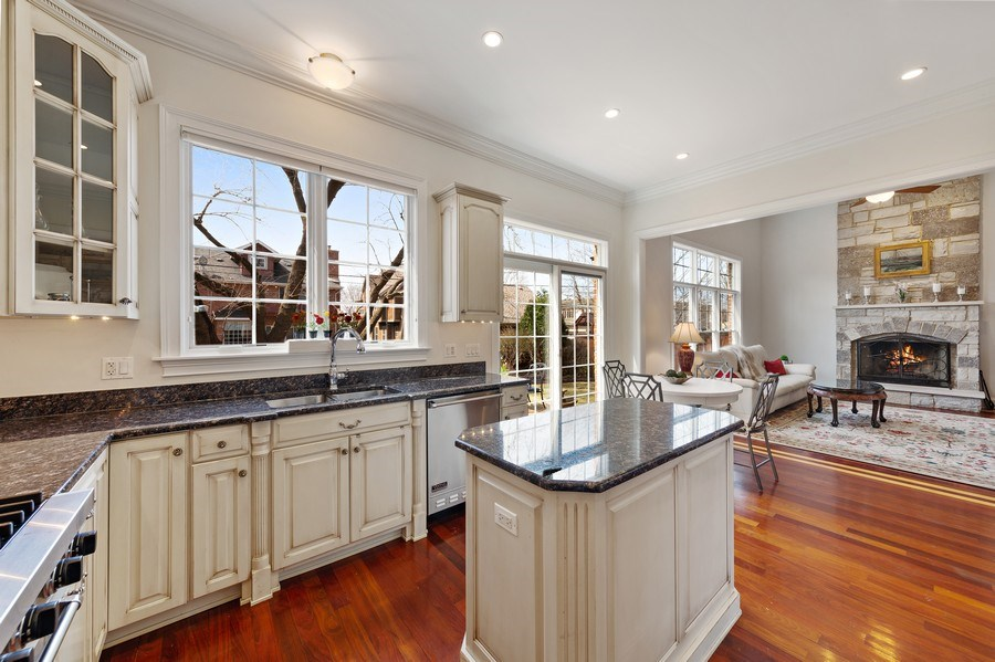 Real Estate Photography - 802 Franklin, Hinsdale, IL, 60521 - Kitchen