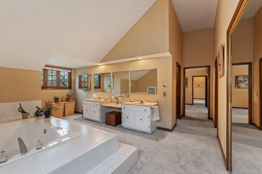 Real Estate Photography - 1952 Sherwood Place, Wheaton, IL, 60189 - Master Bathroom