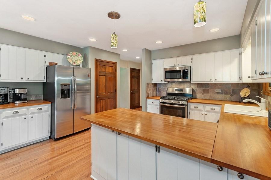 Real Estate Photography - 1952 Sherwood Place, Wheaton, IL, 60189 - Kitchen
