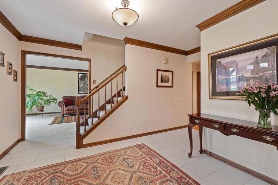 Real Estate Photography - 1952 Sherwood Place, Wheaton, IL, 60189 - Foyer