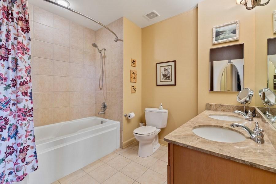 Real Estate Photography - 233 E 13th St, Unit 604, Chicago, IL, 60605 - Bathroom